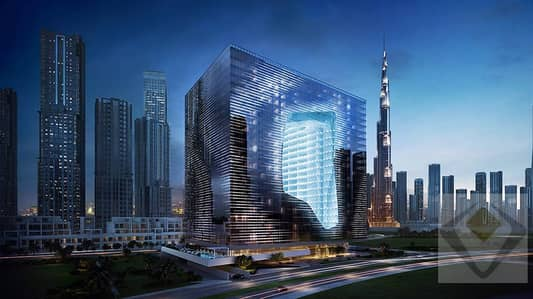 Freehold Office . Dubai Water Canal View.