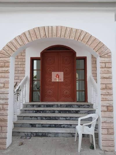 Ramdan offer 5 bedrooms Villa 70k 4chqs for rent in Al rifah