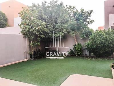 Single row 5BR villa w/ private pool & garden