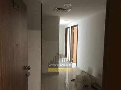 شقة في الخالدية 4 غرف 115000 درهم - 3276121