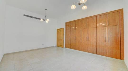 3 Bedroom Villa for Rent in Jumeirah, Dubai - Beautiful 3 br with maid's room villa for rent