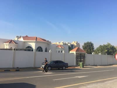 HUGE VILLA 4 BEDROOMS 2 HALL MAJLIS MAID ROOM STORE AND STORE MULHAQ ONLY ARABIC FAMILY