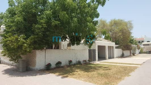 3 Bedroom Villa for Rent in Jumeirah, Dubai - Independent Villa 3BR with private garden