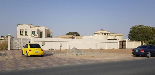 Brand New Villa 5 Bedrooms Hall Majlis/ Pantry/Store/ Big Garden next ajman university