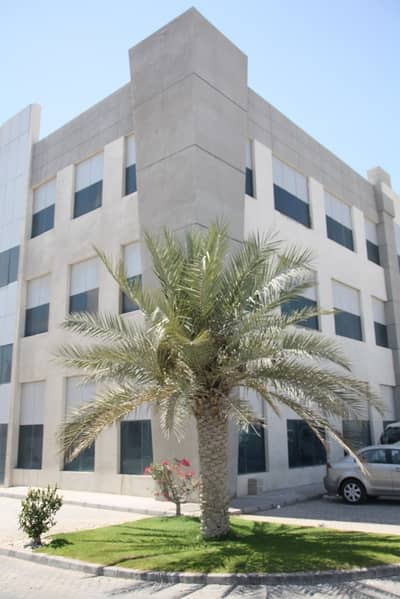 Office for Rent in Mussafah, Abu Dhabi - AED 13 K - TAWTHEEQ LEASE AGREEMENT - OFFICES WITH TOILETS AND PANTRIES - FREE AIR CONDITIONING !!!!