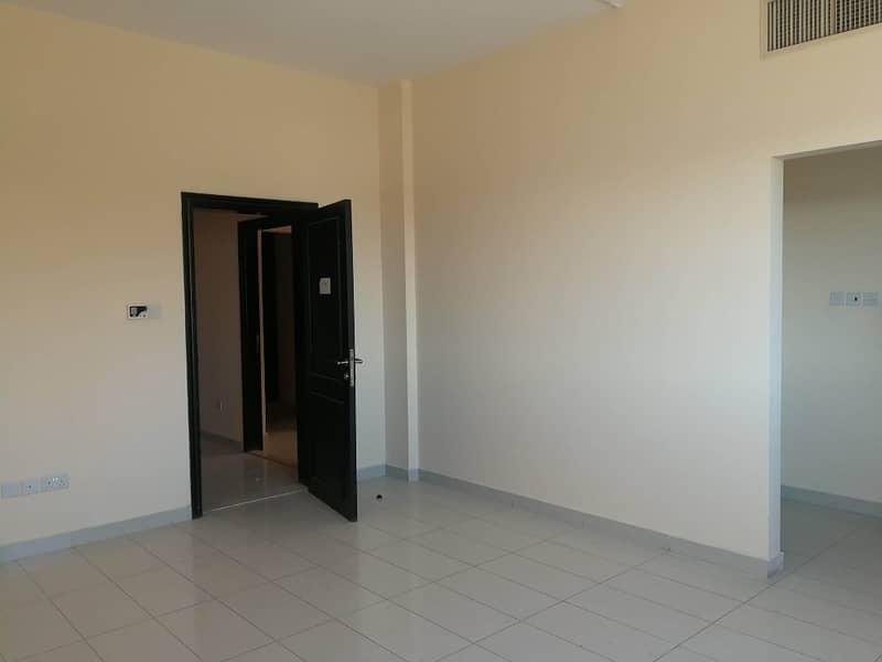 شقة في المنطقة 12 مدينة محمد بن زايد 1 غرف 40000 درهم - 3302281