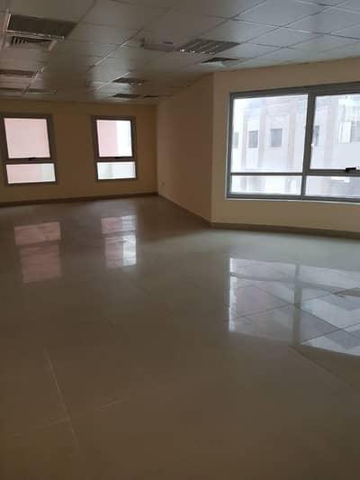 Ready Office 696sqft 55K 4-cheqs Al Barsha
