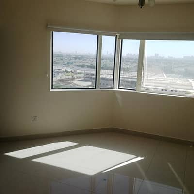 Large 1 bedroom with stunning park and lake view in JLT AED 56,000