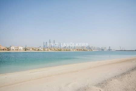 Plot for Sale in Palm Jumeirah, Dubai - Great Full Seaview Plot on Palm Jumeirah