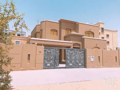 A classic and luxuries villa for rent with water and electricity perfect location