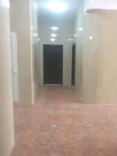 1 Bedroom Flat for Rent in Al Jimi, Al Ain - W/ BASEMENT PARKING & SEMI FURNISHED! SUPERB 1 BHK IN AL AMERIYA NEAR JIMI MALL