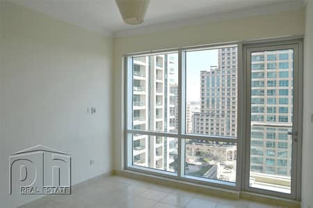 Great Price. Chiller Free. Golf course View