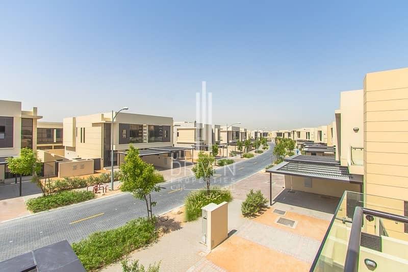 Amazing single row brand new 4 bed villa w/ garden