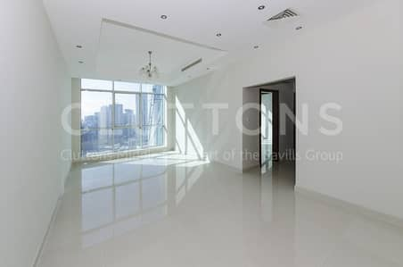 Brand new bright vacant unit on high floor