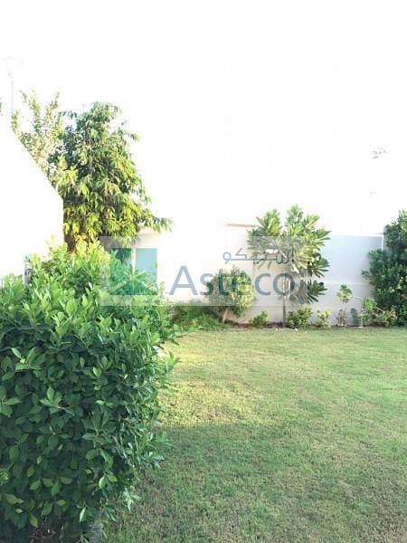 4 Beautiful 3 Bedroom Villa in Jumeirah Park