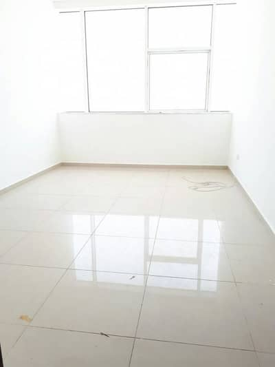 Spacious 1bhk apartment near to Sahara centre & RTA Bus stop Rent only 35k in 2cheq.