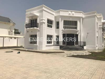 New large 7bedroom villa with guesthouse