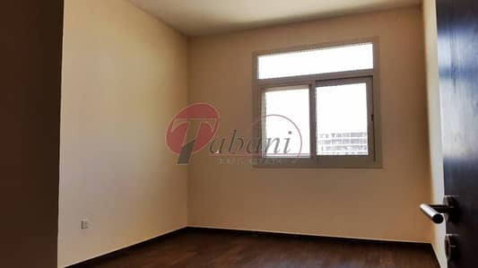 Spacious Newly constructed 2 Bed with 3 Bath