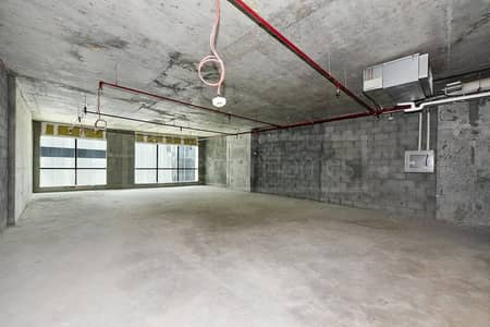 Office in Regal Tower for sale. Near to metro.