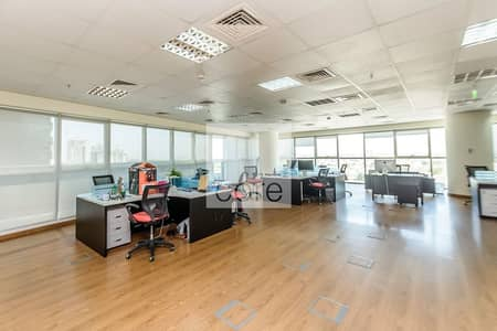 Office for Sale in Jumeirah Lake Towers (JLT), Dubai - Fitted