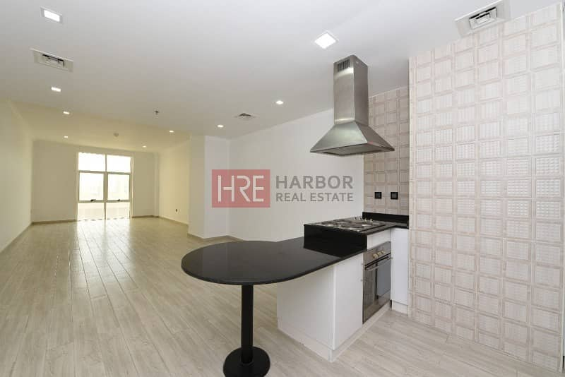 3 Luxurious Studio Apartment in Silicon Oasis
