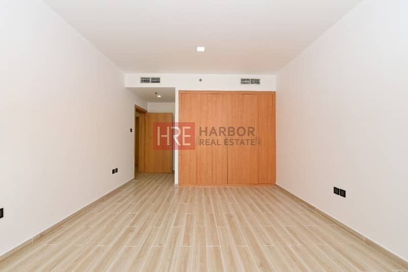 3 Upgraded 1BR Apartment in Silicon Oasis
