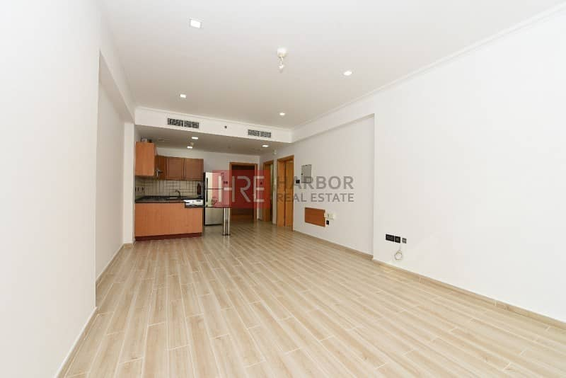 4 Upgraded 1BR Apartment in Silicon Oasis