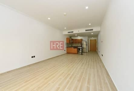Spacious Vacant Studio with Upgraded flooring