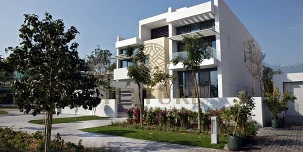 HUGE 5BR Villa Contemporary Style in District t 1