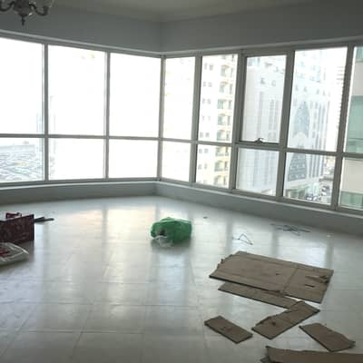 1 Bedroom Flat for Rent in Al Majaz, Sharjah - chiller free 1Bhk open kitchen and close 32k 37k with Wardrobe   Facilities 4 chqs