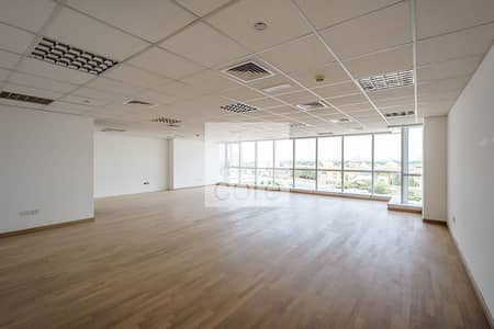 Office for Rent in Jumeirah Lake Towers (JLT), Dubai - Spacious Fitted Office Space I Low Floor