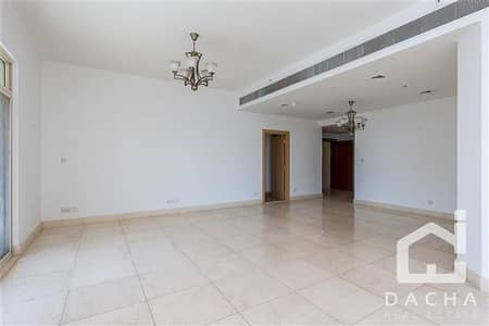3 Bedroom Flat for Rent in Dubai Marina, Dubai - Spacious and bright 3 br/ Available now