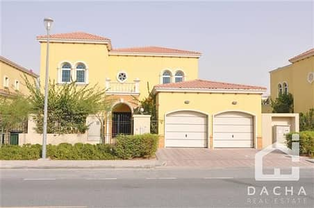 4 Bedroom Villa for Rent in Jumeirah Park, Dubai - Beautiful 4 Bed Legacy Villa with Swimming Pool