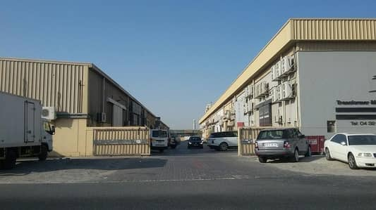 Warehouse for Rent in Al Quoz, Dubai - Big Commercial Warehouses Available for Rent Near Sheikh Zayed Road in AL Quoz