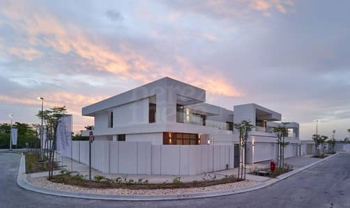 Finest Quality 5 BR Villa in West Yas