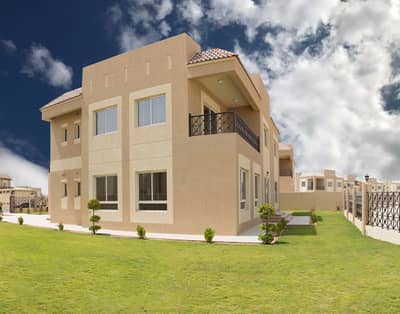READY VILLAS, OUTSTANDING GOLF COURSE AND LAKE VIEWS