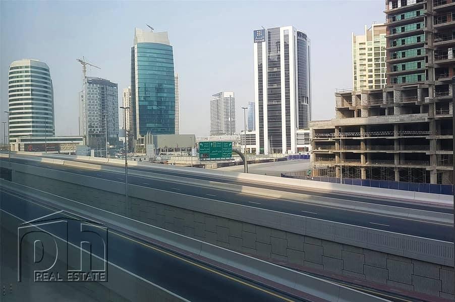 10 Great Price - Large Studio In Burj Views