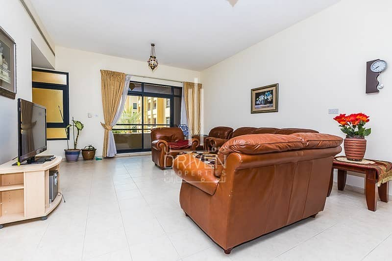 2 A Large 2 Beds Fully Furnished Apartment