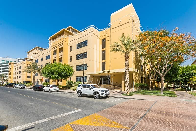 11 A Large 2 Beds Fully Furnished Apartment