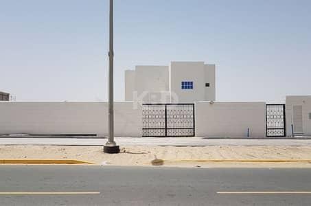 4 Bedroom Villa for Sale in Al Shamkha, Abu Dhabi - 4 BR for Sale in Shamkha