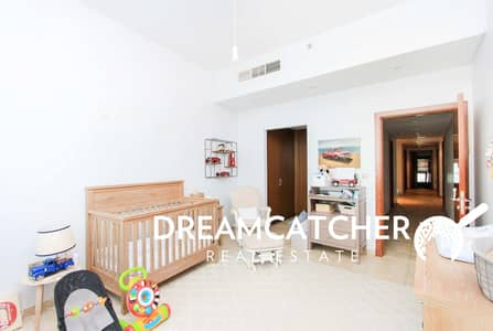 3 Bedroom Penthouse for Sale in Palm Jumeirah, Dubai - Sea view 3B/R for sale Marina Residence!