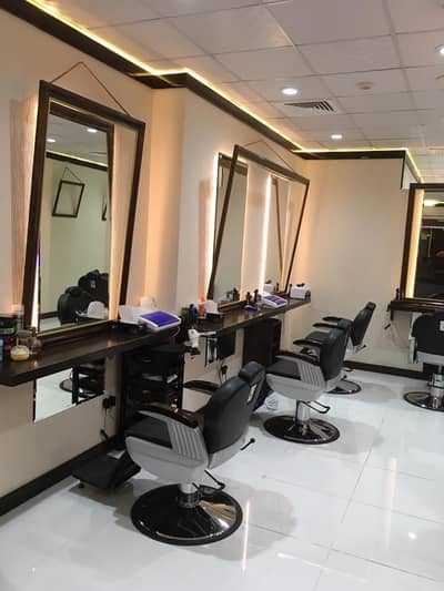 Shop for Rent in Al Barsha, Dubai - 900 sq ft - Profitable Gents salon in prime location of Al Barsha