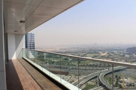 4 Bedroom Penthouse for Sale in Dubai Marina, Dubai - Panoramic golf course view on high floor