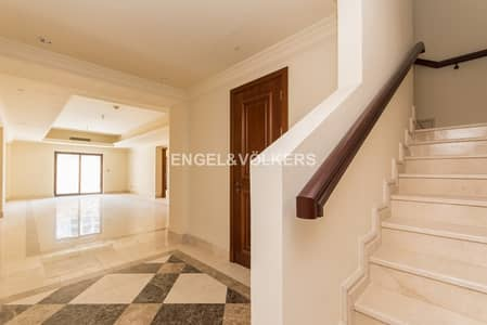 3 Bedroom Townhouse for Sale in Palm Jumeirah, Dubai -  Hot deal | AED 620 per sq.ft.