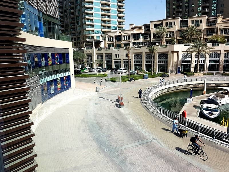 10 Retail Unit With Terrace in Marina Gate