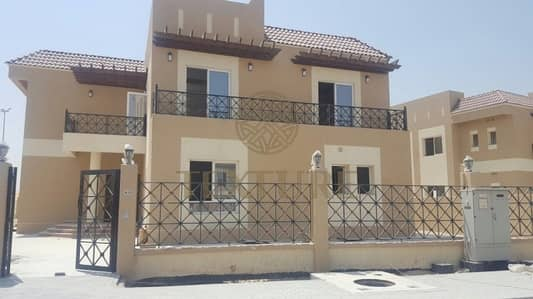 Beautiful and spacious 5 BR Villa Golf Facing - just for 230K