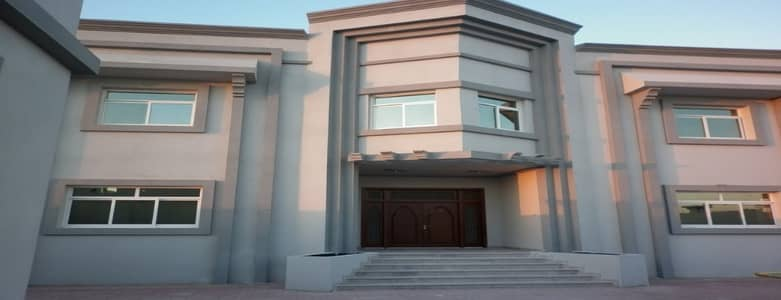 9 Bedroom Villa for Sale in Al Shamkha, Abu Dhabi - For sale a luxury villa for the first occupant of 9 rooms master shamikhah 5300000 dirhams