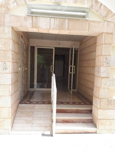 GOOD SIZE 1 BEDROOM HALL APARTMENT FOR RENT WITH CENTRAL AC