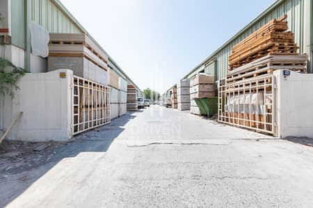 Warehouse for Sale in Al Quoz, Dubai - Rented Warehouse w/ High Income for Sale