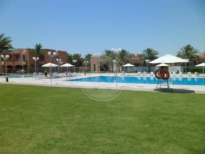 4 Bedroom Villa for Rent in Abu Dhabi Gate City (Officers City), Abu Dhabi - Spacious Villa located in Great Compound